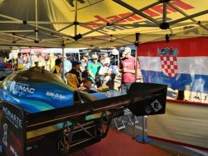 Hrvatska zastava u boxu Tajima motors