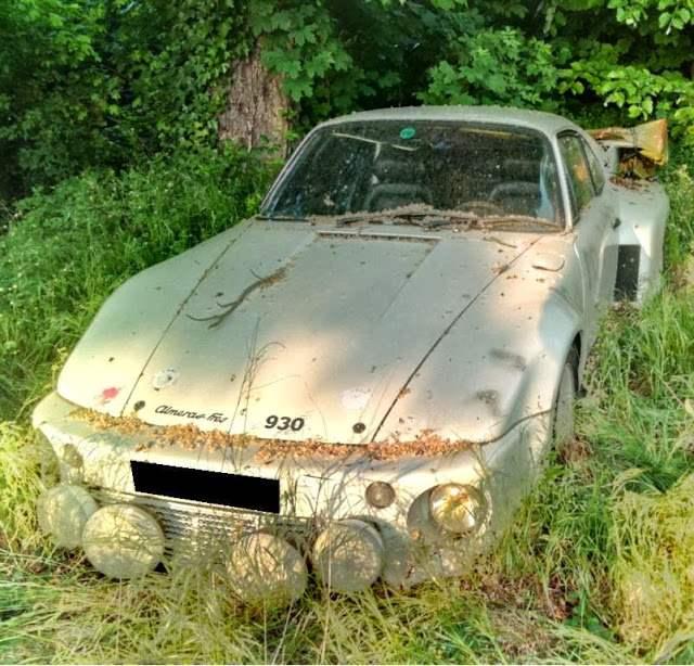 Porsche u travi. GT2. Ova bi pila i dan danas mogla voziti EEC ili nešto slično. Horor. Još jednom isto pitanje...što li bi vlasniku..