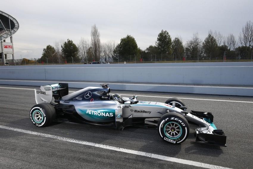 Mercedes AMG W06. I tu se teško odlučiti koji je Mercedes najljepši iz zadnjih godina. Ovaj najnoviji ? Ove se godine posebna pažnja poklonila izgledu nakon smiješne 2014. i slučaja s nosevima. W06 je lijep koliko je i brz a to dokazuje Lewis Hamilton svake druge nedjelje..