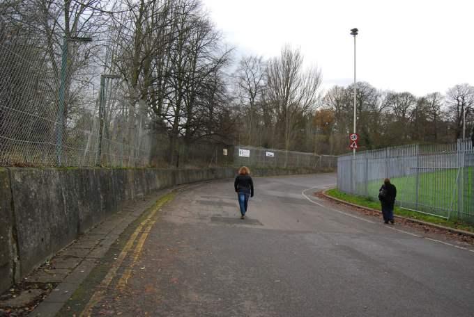 Nedaleko centra Londona nalazi se zaboravljeno trkalište Crystal Palace na kojem je pobjeđivao i James Hunt. Zatvoreno je 1974..