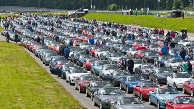 Najveća parada Mazda MX.5 održana je 2012. u Lelystadu. Ljubitelji ovog kabrioleta došli su na svoje.