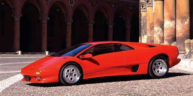 Lamborghini Diaglo GT. ''Paesano'' može i do 337.9. Kako i ne bi kad je tu 5.7 V12