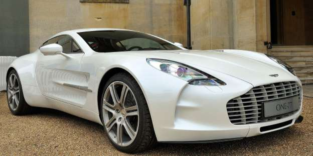 Aston Martin One-77. U igru ulazi Aston s 355.6 km/h
