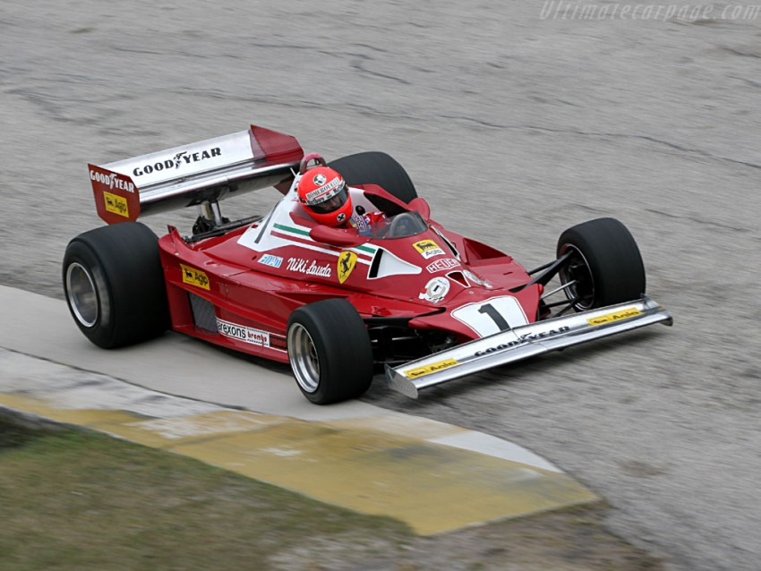Ferrari 312 T2. Cavalino rampante je imao toliko ljepih auti da se jako teško odlučiti koji je najljepši. Ovaj je predivan. Uz glavnu ulogu u filmu ''Rush'', ova je stvarčica bila i u glavnoj ulozi slavne 1976. i dvoboja Lauda - Hunt. Niki je naslov izgubio zbog teške nesreće na Nuerburgringu i izostanka s dvije utrke.