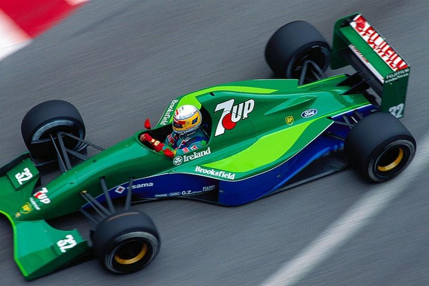Jordan 191. Ludi Eddie imao je sreću kad se na horizontu pojavio sponzor ''7up''. Em je donio novce em je dao sjajan predlošak za ovu ljepoticu. Nije bilo ni jednog podija za 191 ali ljepota je plijenila gdje se god pojavila. Kombinacije plave i zelene je nemoguća, osim na ovom Jordanu gdje izgleda sjajno. Najbolje izgledajući auto koji nikada nije dobio utrku ?
